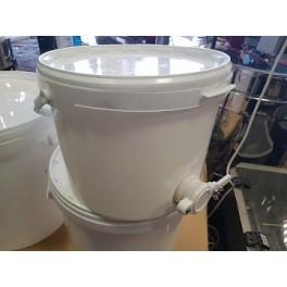 Plastnõu kraaniga 10L